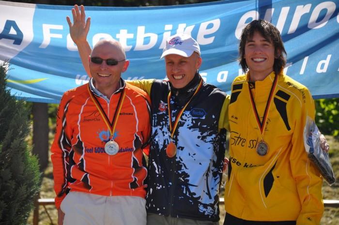 Hans Korbee, Ríša Jisl a Jasper Stringa - podium nedělního 37km závodu