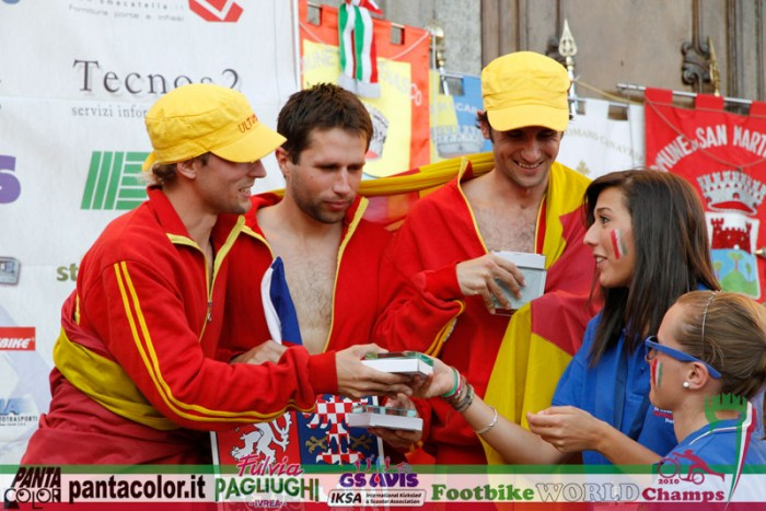 Bronz z ME 2009 je obhájen, pan Jaromír, pan Jaroslav a pan Jan