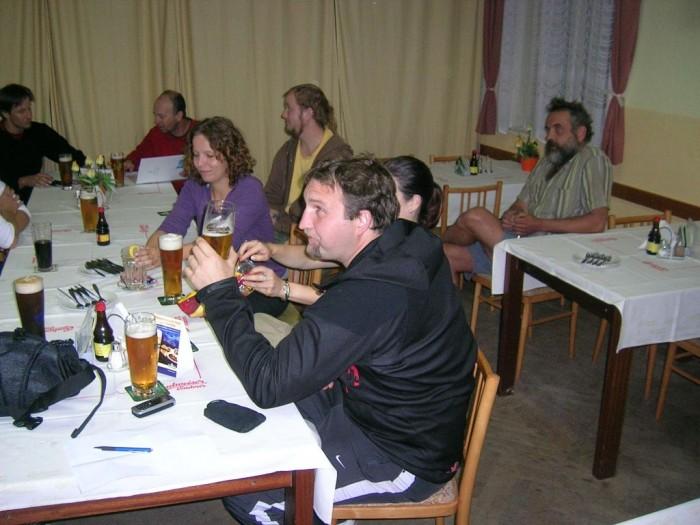 Správný koloběžkový závěr - u piva v Litvínovicích