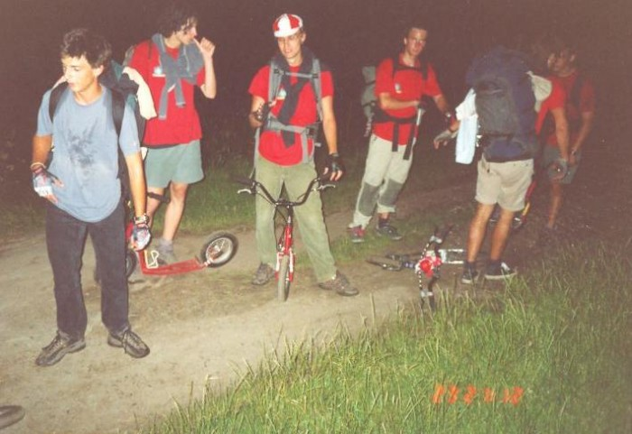 Noční jízda na Mácháč, ztraceni v polích