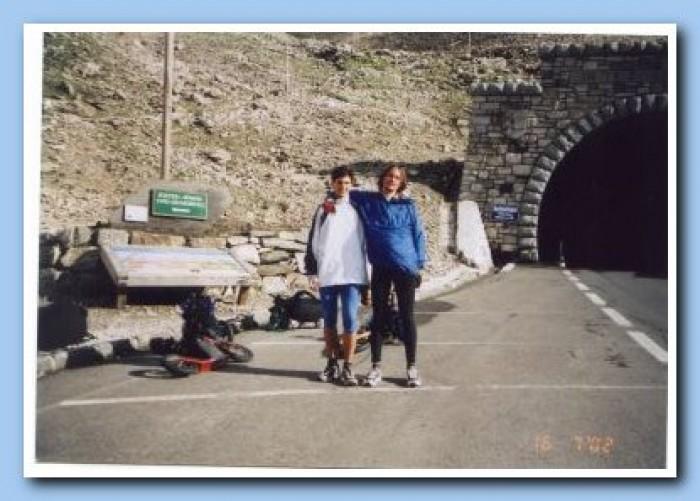 Konec stoupání, za tunelem již následoval pouze sjezd