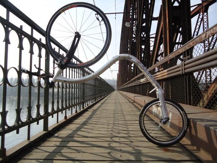 ... na mostě ...