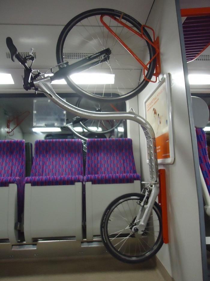 .. a závěrem, koloběžka ve vlaku.