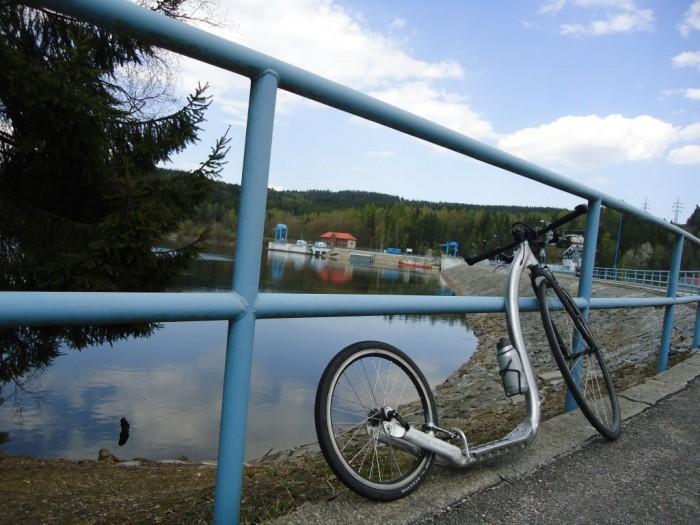Na hrázi lipenské přehrady