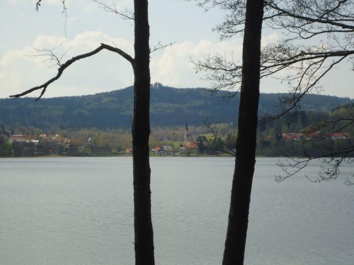 Přední Výtoň - pohled přes jezero