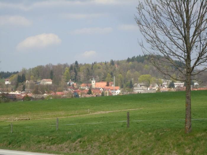 Den Druhý - pohled na Horní Planou od Jenišova