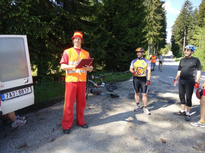 Pan Liška v netradiční roli pořadatele - do závodu ho nepustilo bolavé koleno