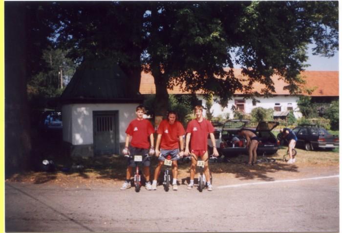 Historicky první koloběžkový závod Ultimy Vlkov 2001