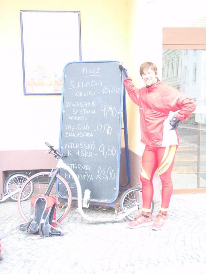 Pan Liška s akcemi v místní prodejně
