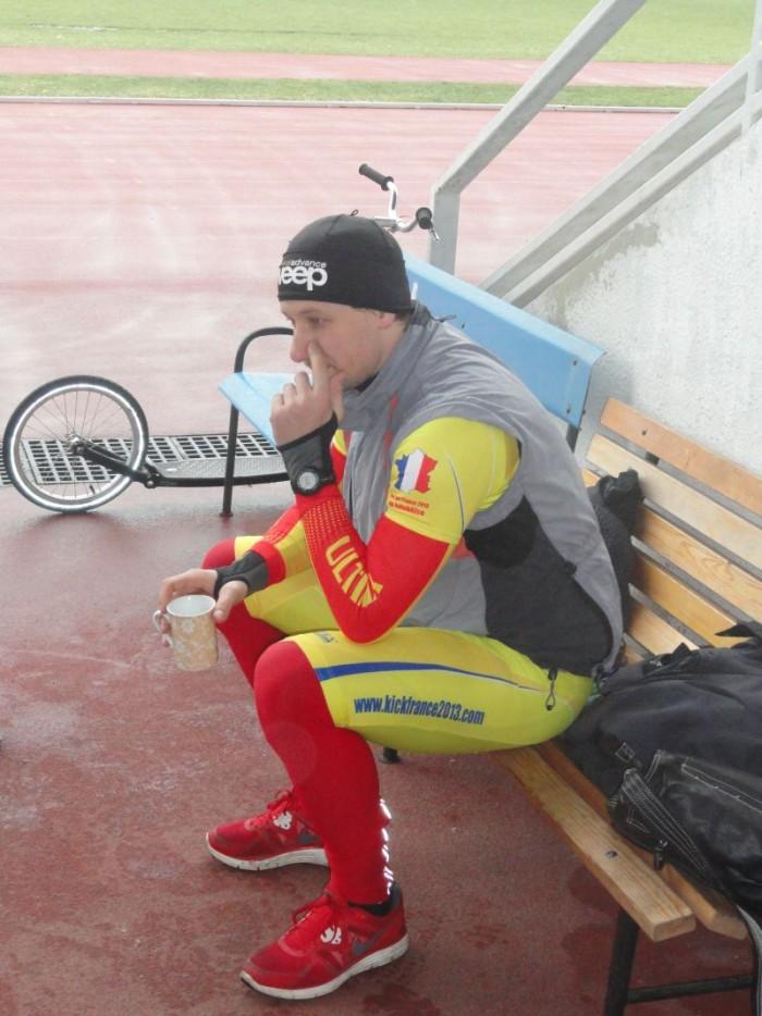Pan Liška po dvou a půl měsících mohl sportovat ( bolavá achillovka vydržela ) a obkroužil celkem 23km - většinu z toho na městské skládačce Swifty One